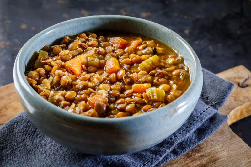 מרק ירקות עם עדשים